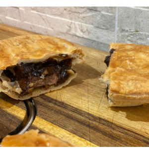 Steak & Kidney Pie (Small)