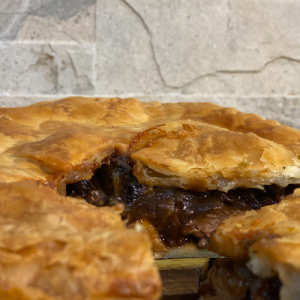 Steak & Onion Pie (Large)