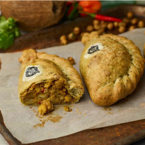 Cauliflower & Onion Bhaji Pasty
